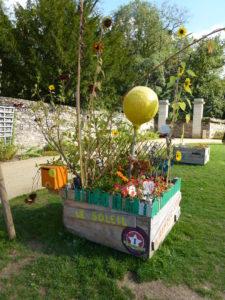 Carré de jardin d'une école primaire angevine